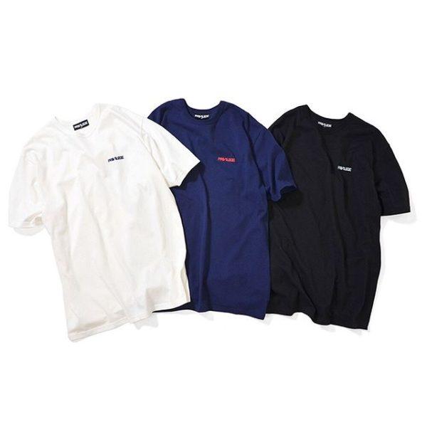 ・ 5/18(sat)発売! ・ PV19SS17 EMBROIDERY LOGO TEE ・ PRICE : 5,000yen+tax ・ カラー展開:OFF WHITE(オフホワイト), BLACK(ブラック), NAVY(ネイビー) ・ 絶妙なサイジングのスモールロゴを左胸に落とし込んだロゴTシャツ。 通常サイズのロゴとはまた一味違った洗練された雰囲気を醸し出している。 ストリートテイスト全開なルーズシルエットで、素材には独自に編み立てた度詰め天竺を使用。 着込んでもよれる事のないバインダーネック仕様、タフな生地感、ルーズで飽きの来ないシルエット設計など細部まで作り込まれた至極の一枚。 ・